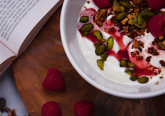 Granola yogurt bowl with Raspberry Dressing